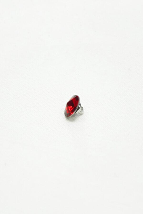 Пуговица маленькая с красным кристаллом Сваровски 4