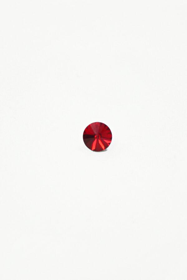 Пуговица маленькая с красным кристаллом Сваровски