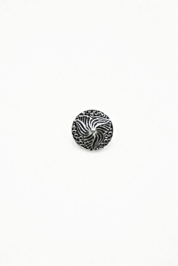 Пуговица маленькая металл серебро с трилистником