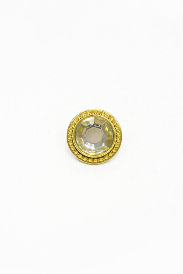 Пуговица пластик золотая с кристаллом