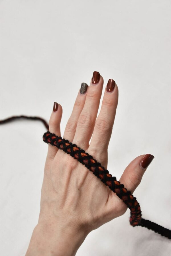 Тесьма шерсть черная с оранжевым и красным (t0558) т-7 - Фото 8