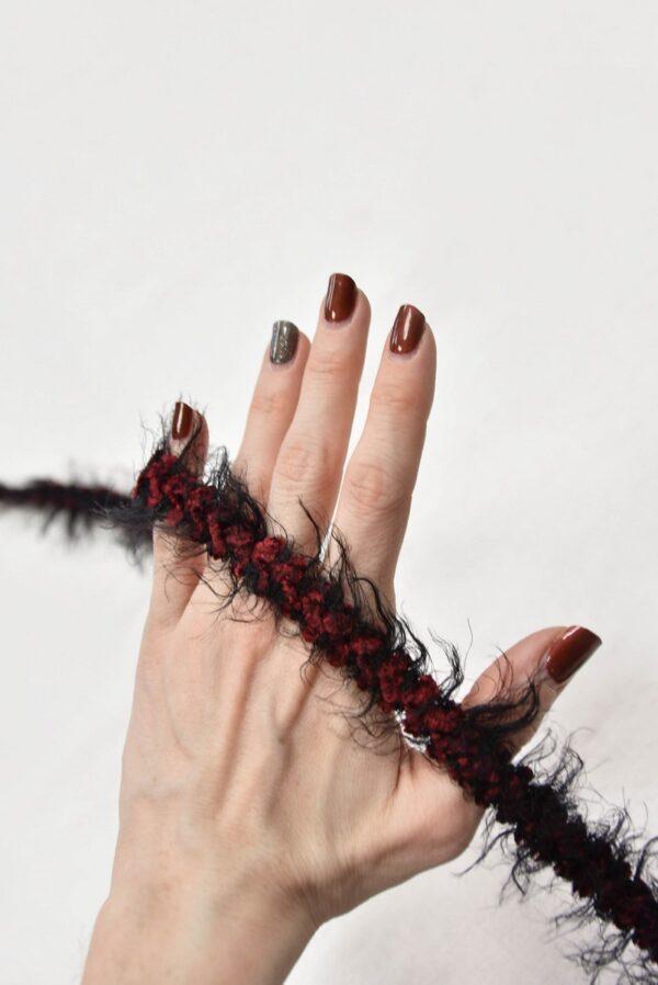 Тесьма черная с красным пушистая (t0567) т-7 - Фото 8