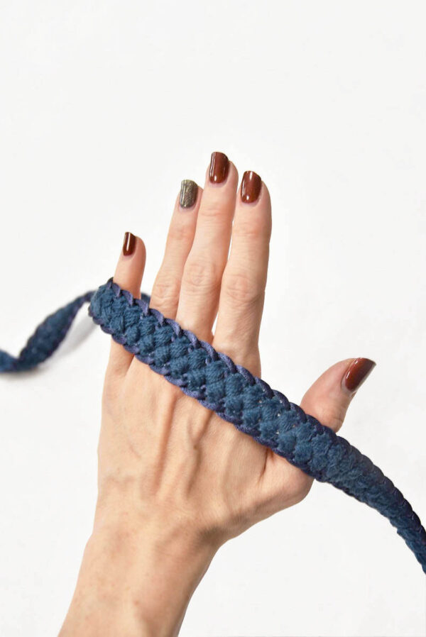 Тесьма отделочная плетеная косичка синяя 2