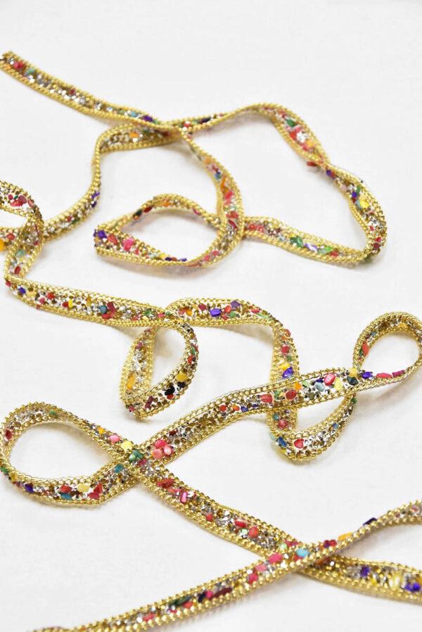 Термо тесьма с разноцветными камнями кристаллами и золотой цепью