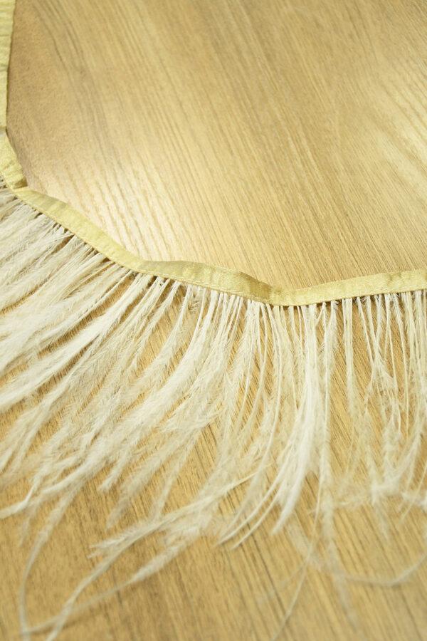 Перья страуса светло-бежевые 2