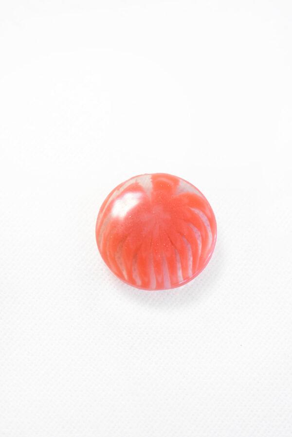 Пуговица пластик коралловая полупрозрачная с мелким цветочком (р1229) - Фото 6