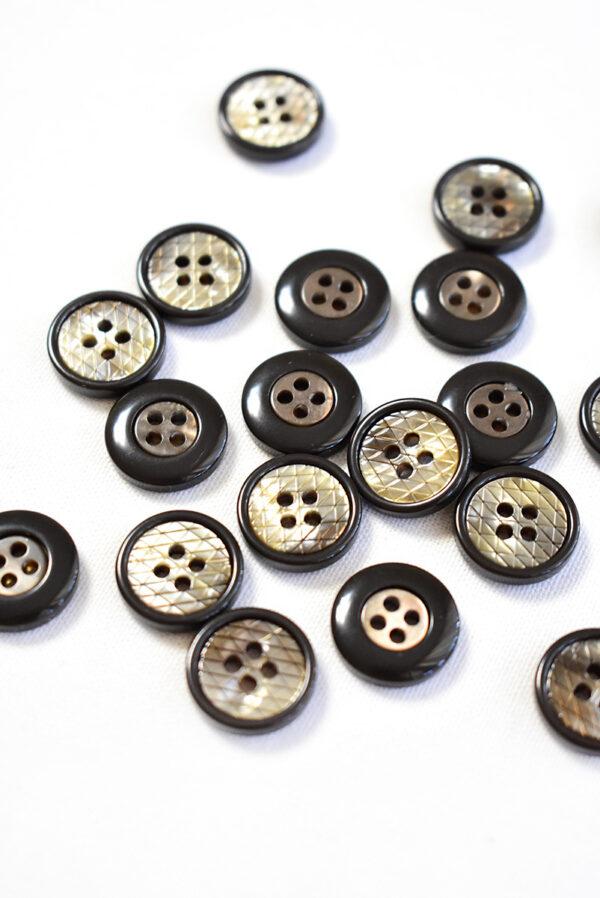 Пуговица пластик черная в мелкий ромбик с окантовкой (р1241) - Фото 7