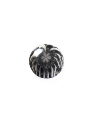 Пуговица пластик темно-серая полупрозрачная с мелким цветочком (р1281) - Фото 15