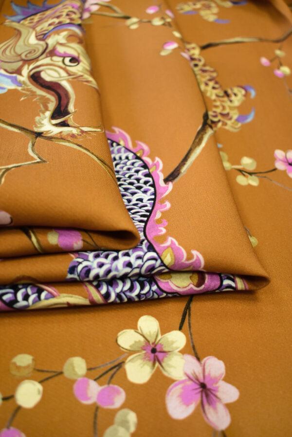Шерсть плательная терракотового цвета с драконами и сакурой (9295) - Фото 9