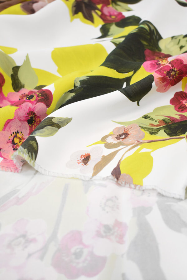 Кади с цветами и листьями на белом фоне (9297) - Фото 10