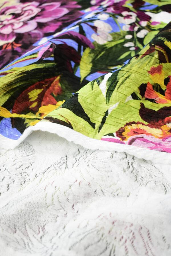 Матлассе с крупными цветами на белом (9349) - Фото 10