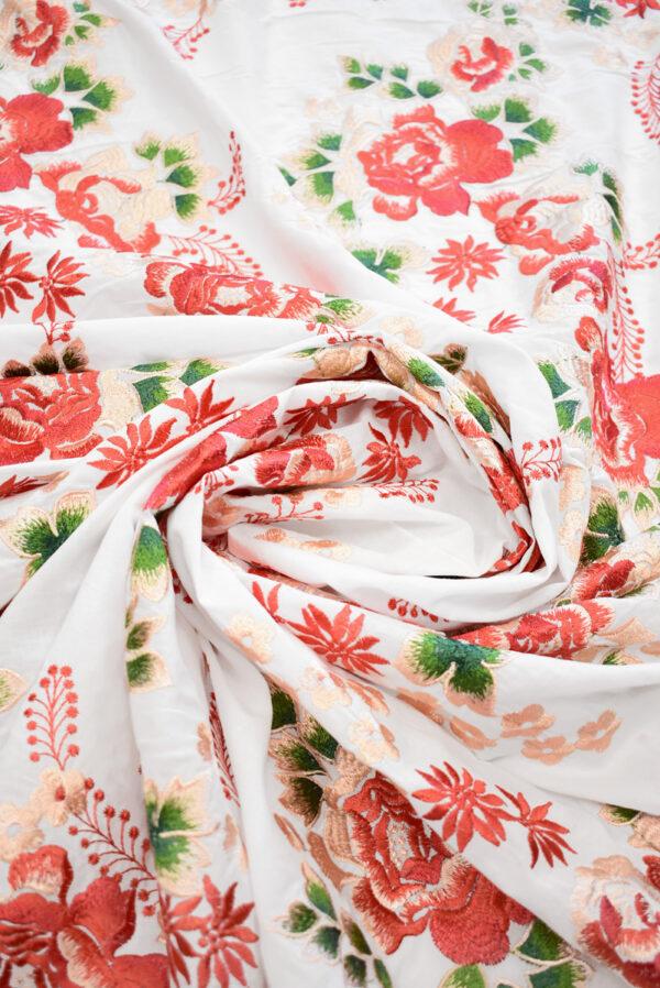 Вышивка ярко-красные цветы на белом фоне (9423) - Фото 8