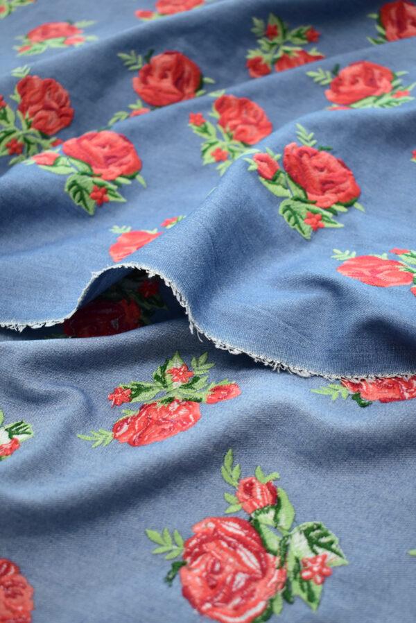 Джинс голубой вышивка красные розы (9438) - Фото 8