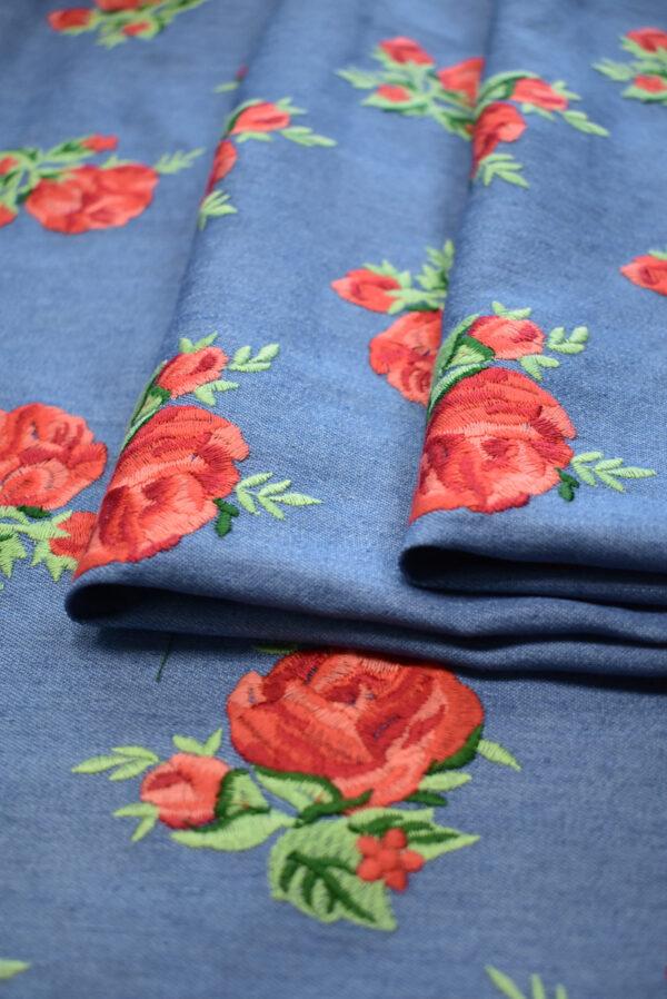 Джинс голубой вышивка красные розы (9438) - Фото 9
