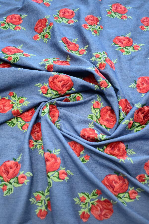 Джинс голубой вышивка красные розы (9438) - Фото 7