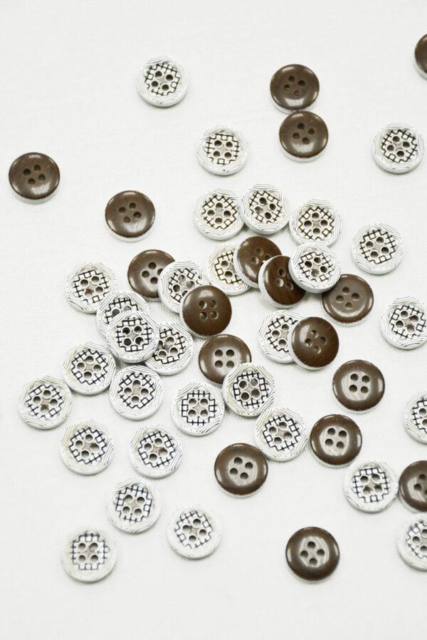 Пуговица пластик белая с коричневым в клетку (р1405) - Фото 7