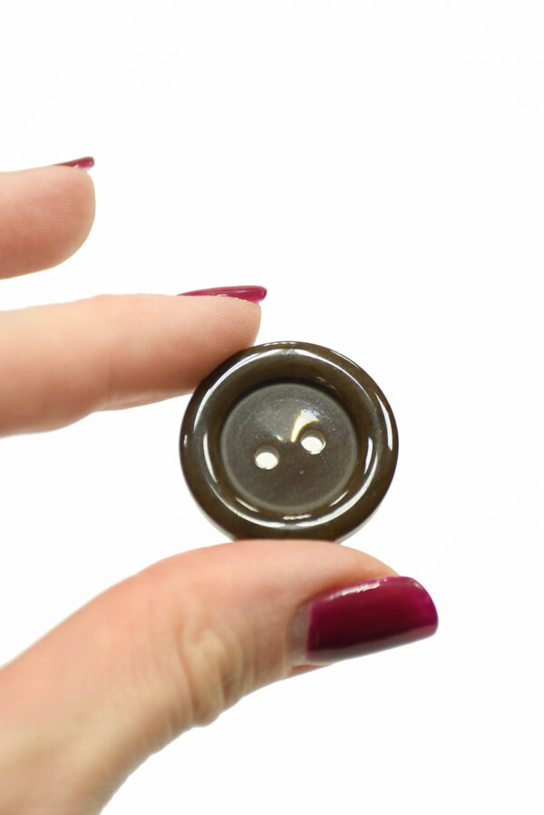Пуговица пластик большая коричневая на прокол (р1443) - Фото 9