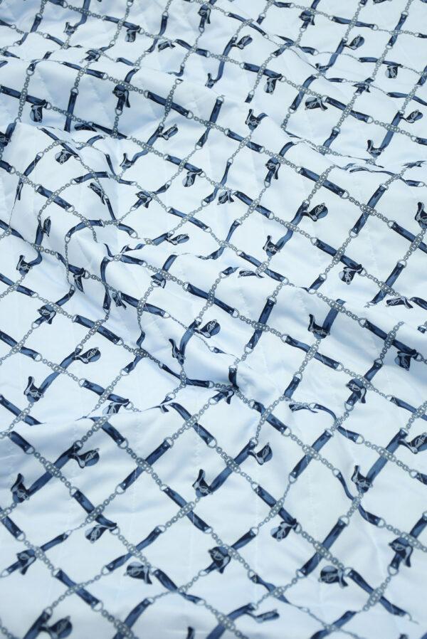 Курточная стеганая ткань голубая с цепями (10058) - Фото 6