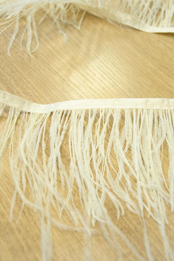 Перья страуса ванильного оттенка (t0804) т-26 - Фото 8