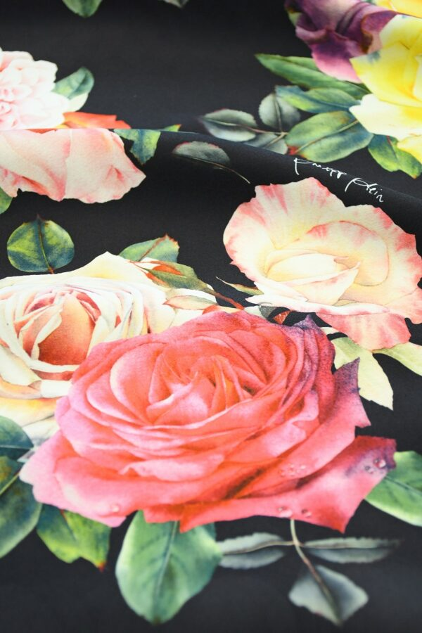 Креп стрейч черный с розами (10094) - Фото 11