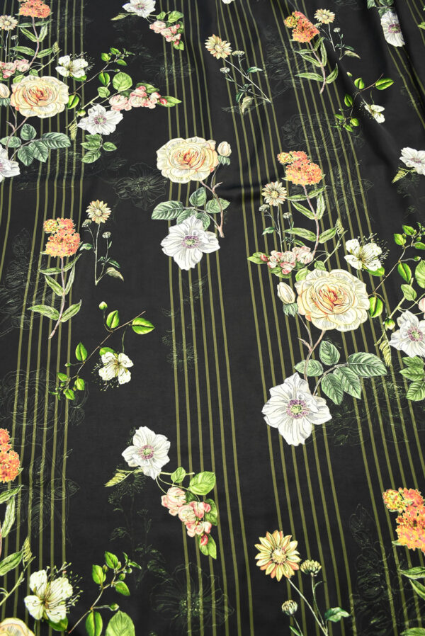 Атлас черный в полоску и с цветами (10192) - Фото 11