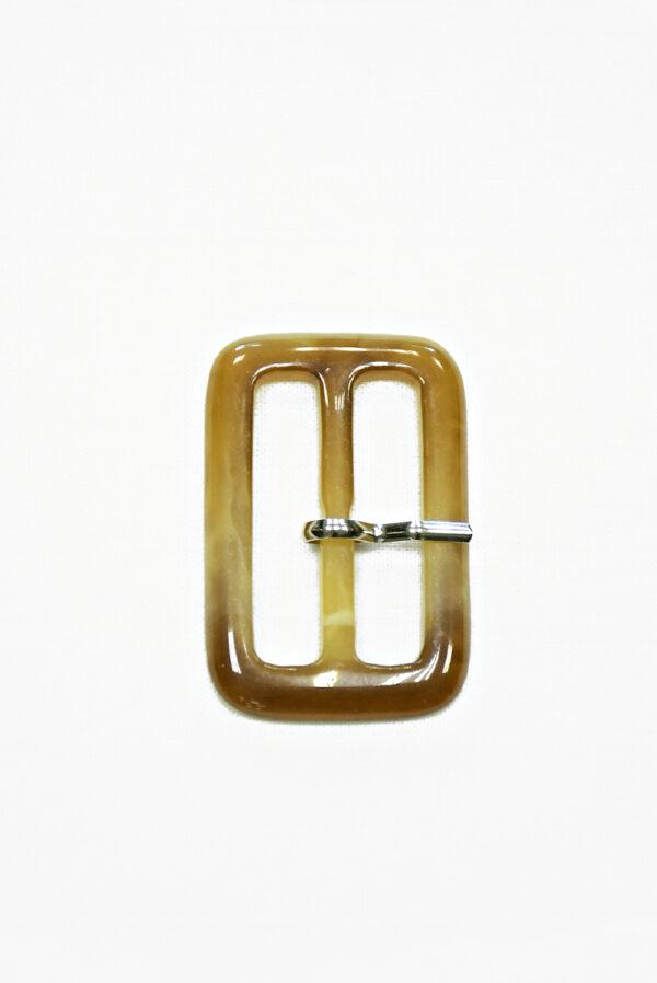 Пряжка пластиковая бежевая прямоугольная с язычком