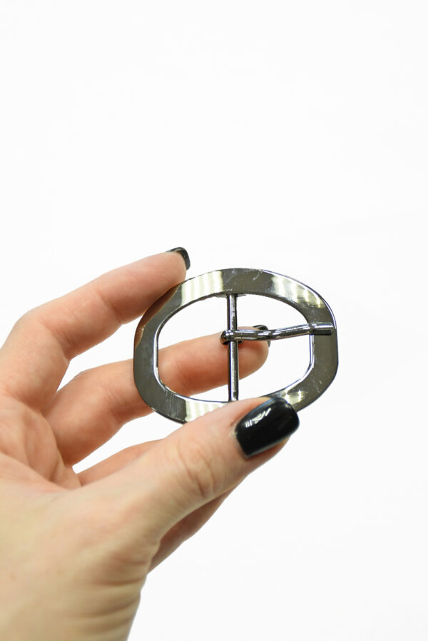 Пряжка овальная металл никель с язычком 1