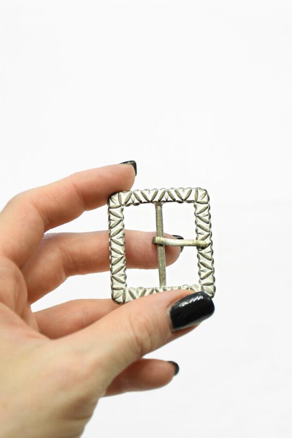 Пряжка прямоугольная металл латунь с белой эмалью 1