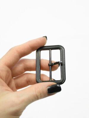 Пряжка металл блэк никель с черной эмалью 1