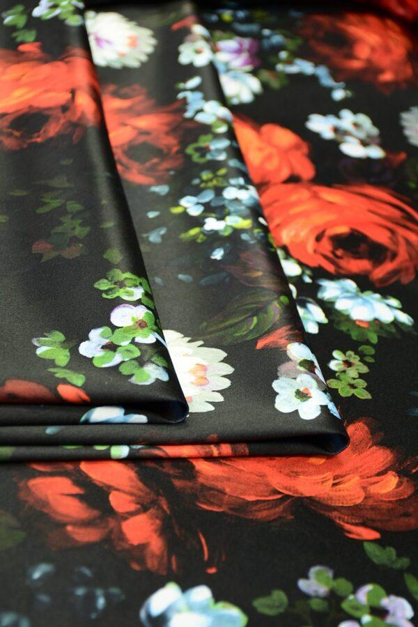 Сатин атласный черный с красными и белыми пионами (10315) - Фото 9