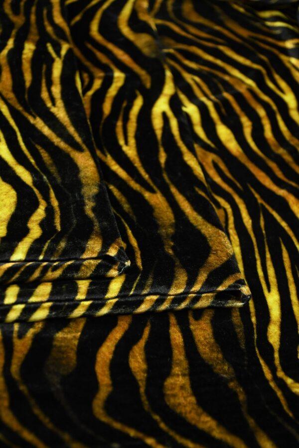 Бархат шелковый с тигровым узором 3