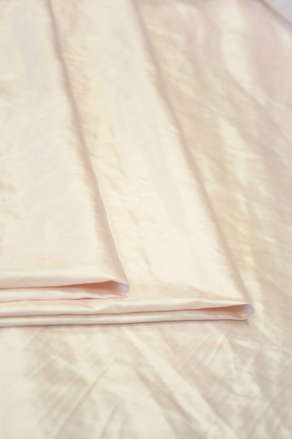 Атлас бледно-розовый 2