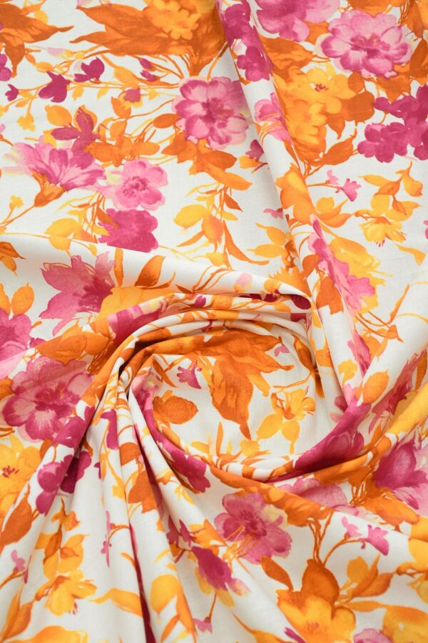 Лен белый с розовыми и оранжевыми цветами2