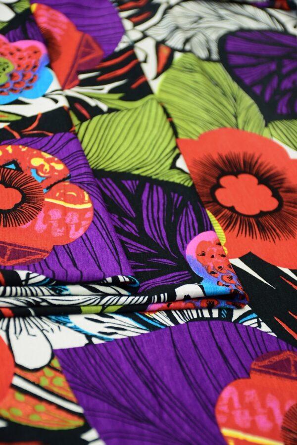 Трикотаж мультиколор с яркими цветами 3
