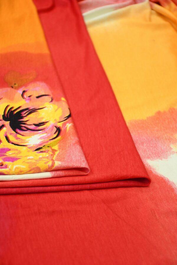 Трикотаж с пионами на огненно-красном и оранжевом 3