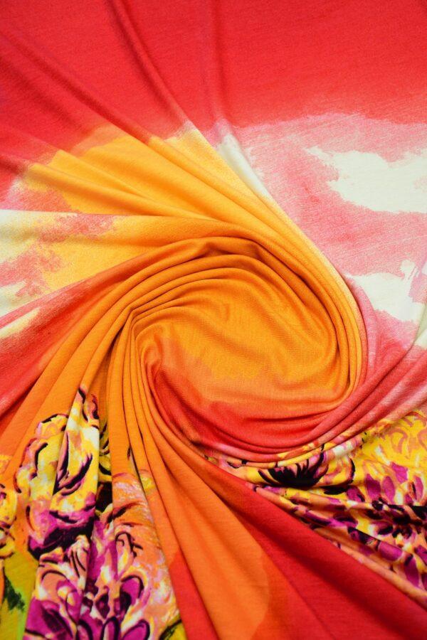 Трикотаж с пионами на огненно-красном и оранжевом 2