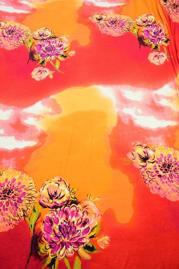 Трикотаж с пионами на огненно-красном и оранжевом 5