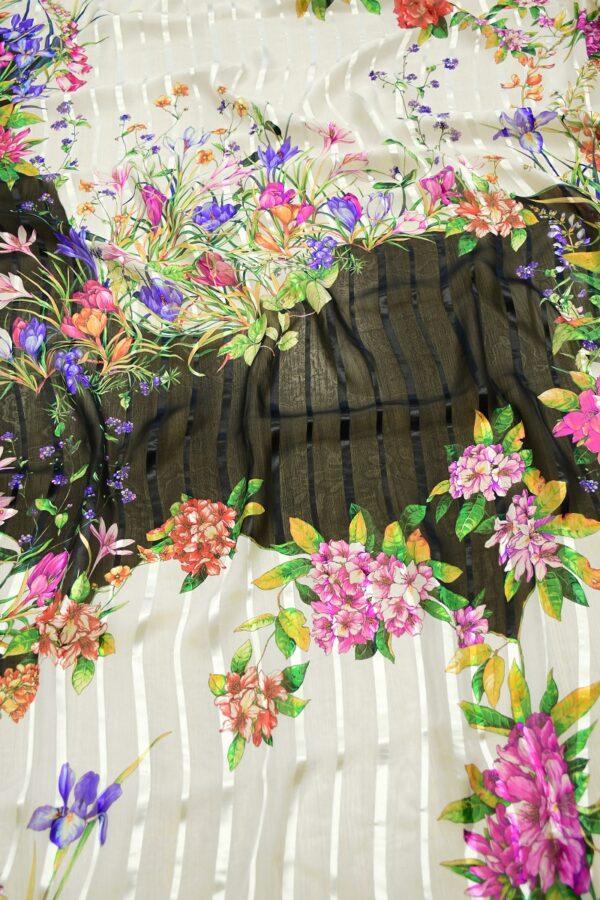 Шифон деворе с яркими цветами и полоской