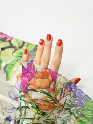Шифон деворе с яркими цветами и полоской 1