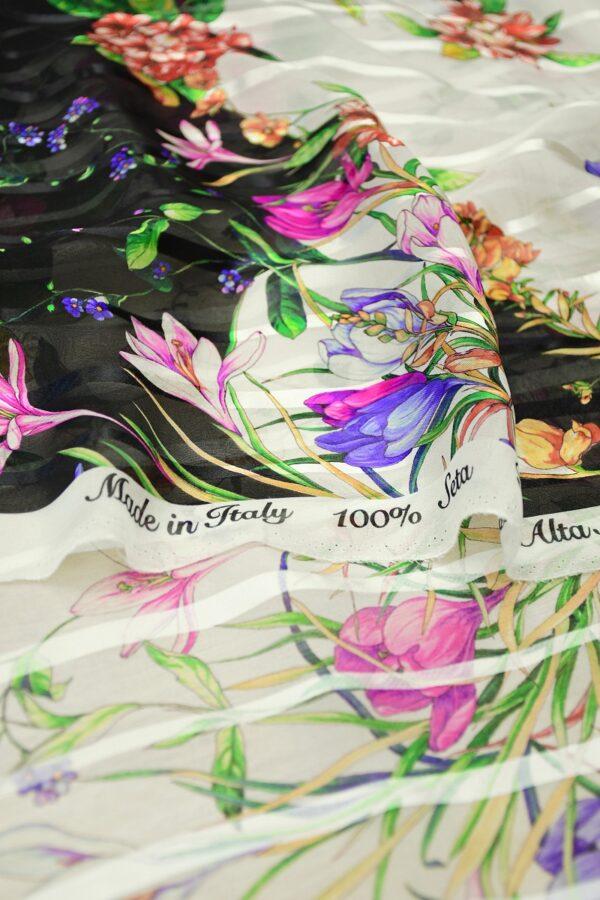 Шифон деворе с яркими цветами и полоской 4
