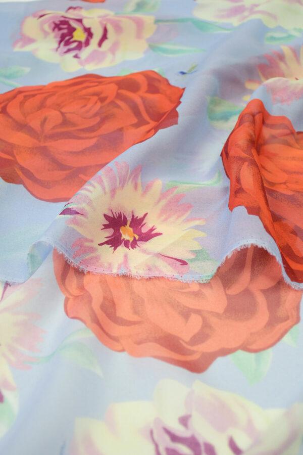 Шифон шелк голубой с красными цветами 4