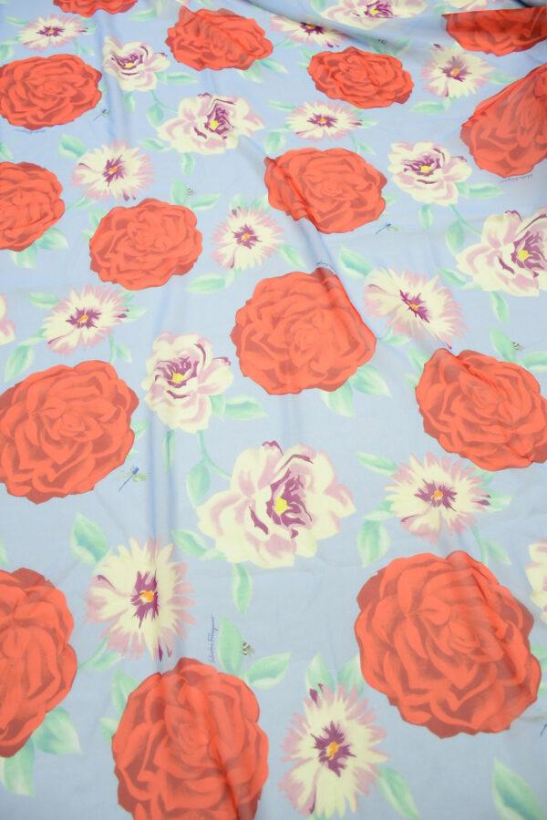 Шифон шелк голубой с красными цветами 5