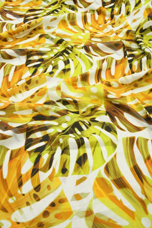 Лен белый с крупными пальмовыми листьями