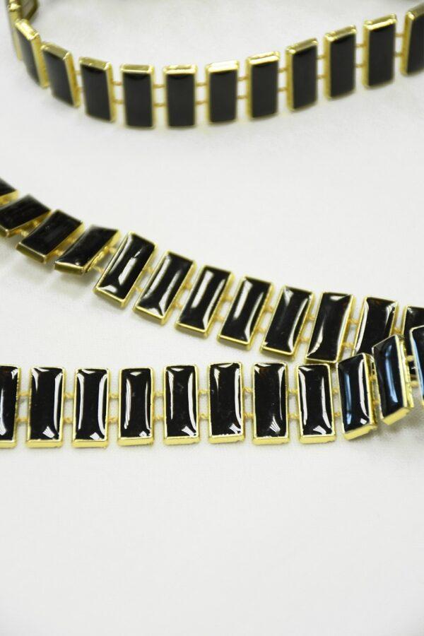 Тесьма золотая с черными эмалированными камнями 3