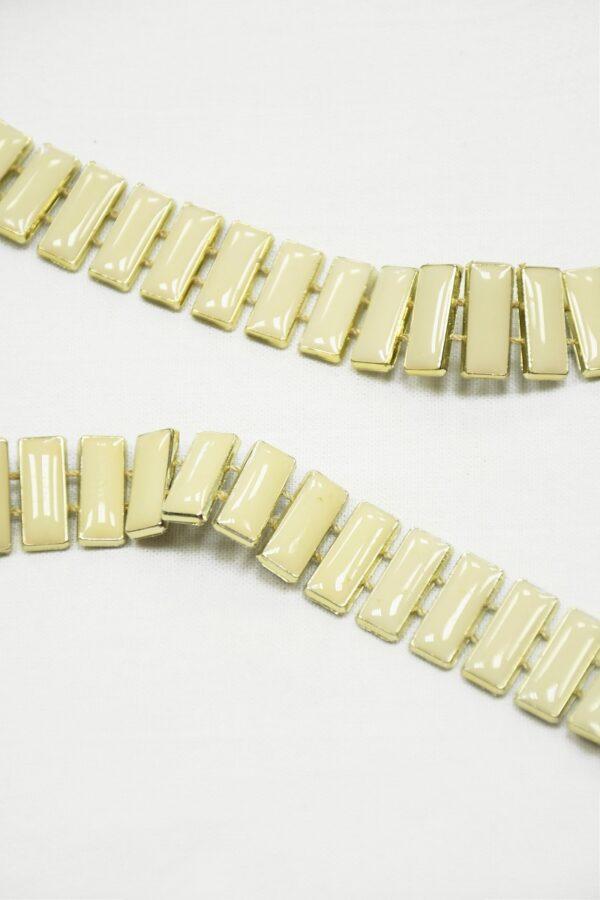 Тесьма золотая с эмалированными камнями цвета слоновой кости 2