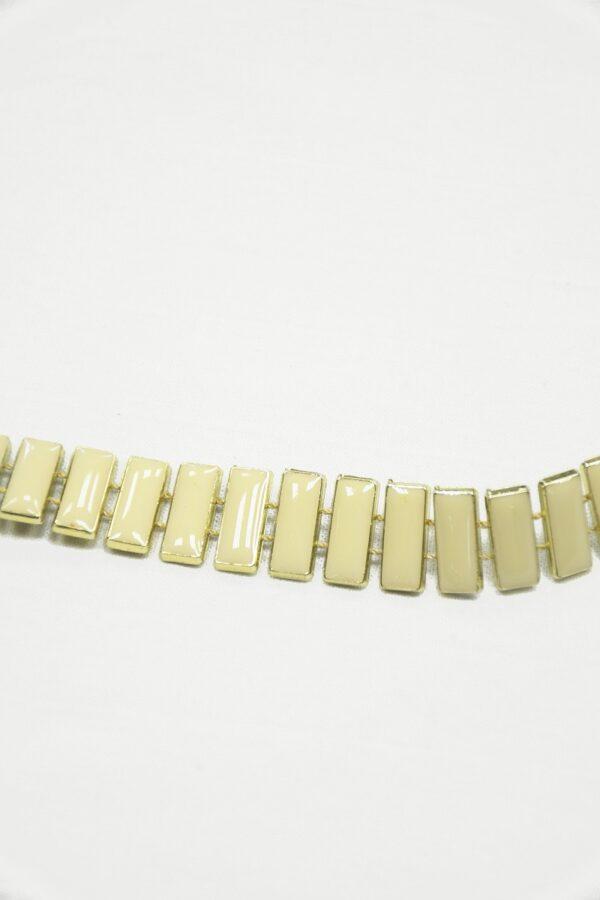 Тесьма золотая с эмалированными камнями цвета слоновой кости 4
