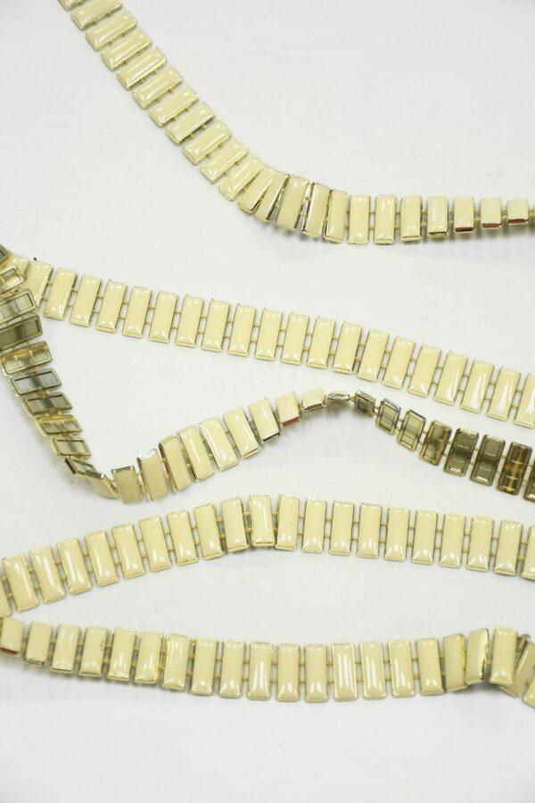Тесьма золотая с эмалированными камнями цвета слоновой кости