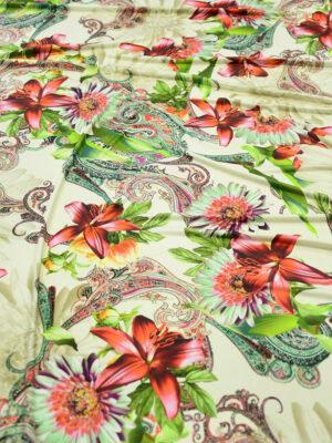 ифлекс с цветами листьями и узором пейсли