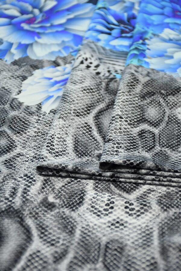 Бифлекс с синими пионами и змеиным принтом 3