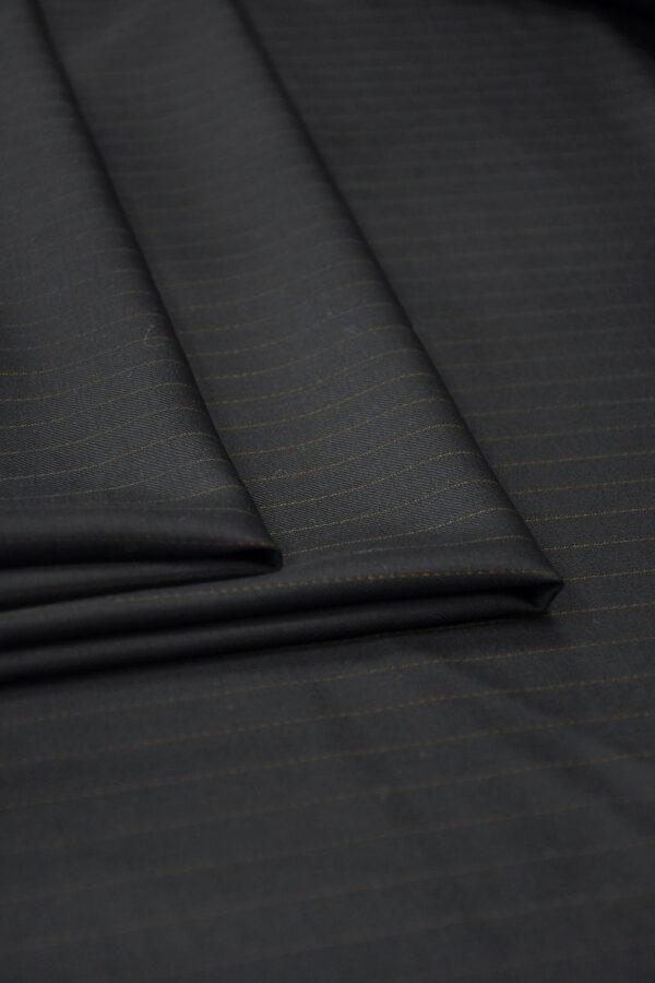 Шерсть черная в коричневую полоску 3